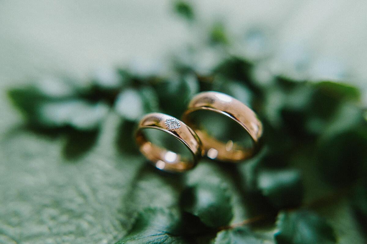 Trauringe-Eheringe aus Gold mit Diamant Princess, Foto von Alina Cürten
