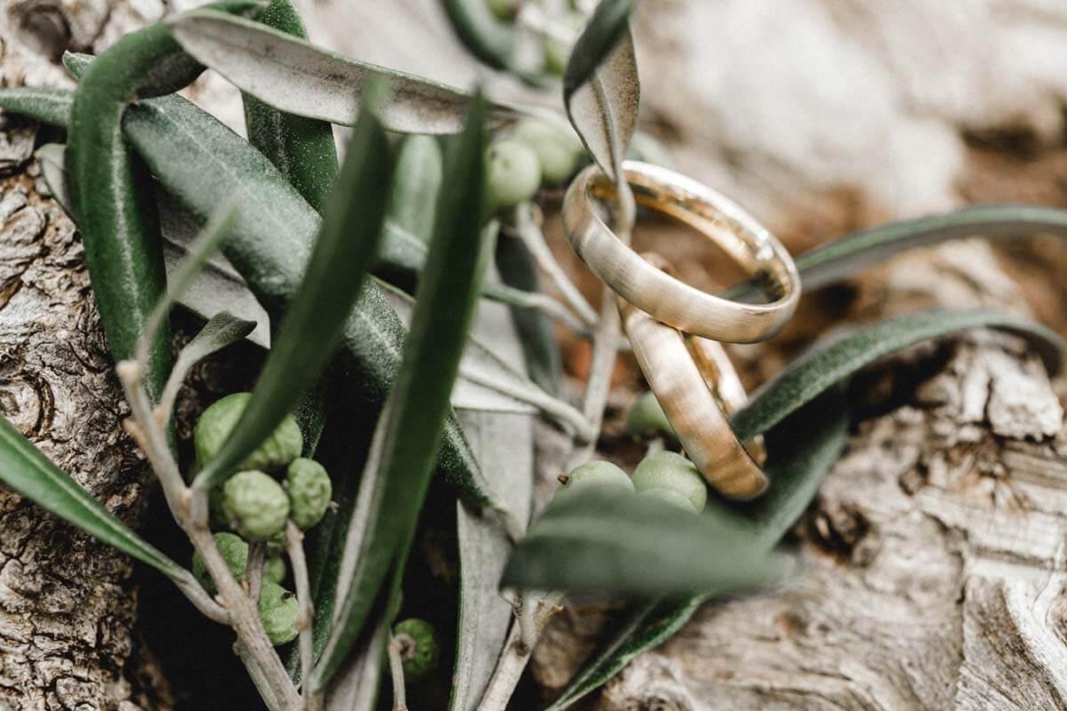 Trauringe-Eheringe aus Gold-schlicht-klassisch und mattiert
